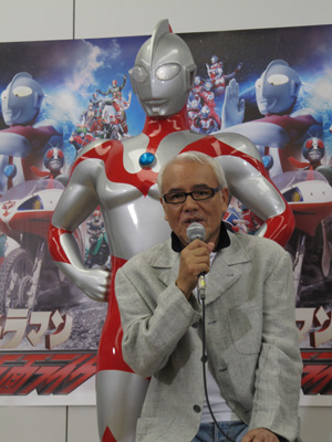 ウルトラマンVS仮面ライダー
